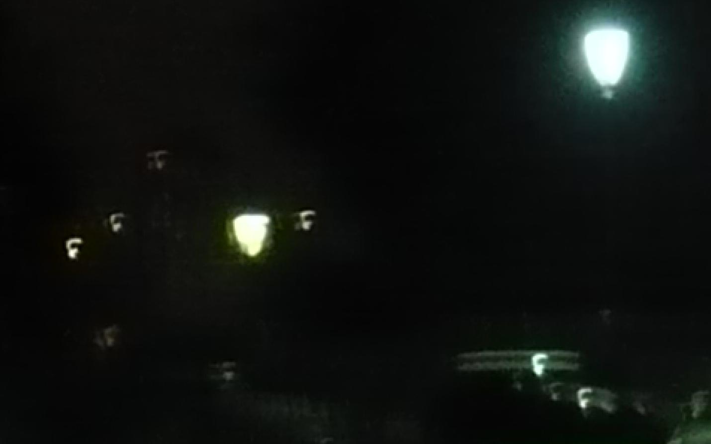 2015: le 25/02 à 22h57 - Pan dans le ciel -  Ovnis à Paris 18è Montmartre - Paris (dép.75) Cedille52