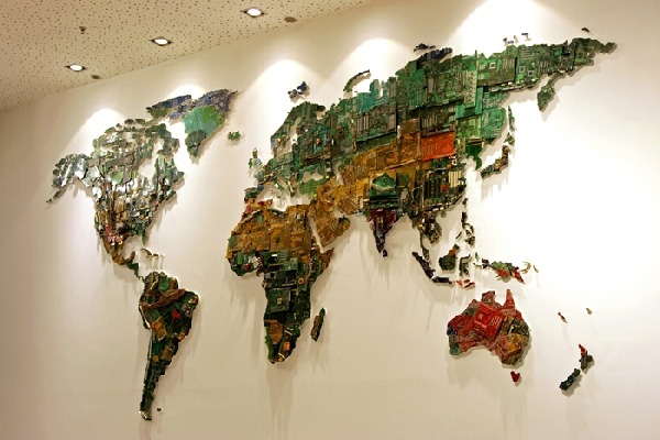 خرائط مجنونة لعالمنا المجنون وكما يقولون الجنون فنون Recycle-word