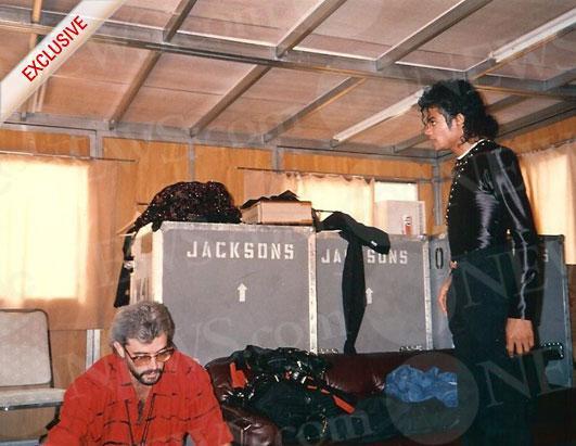 Fotos Raras Encontradas Por Mim na Net - Página 39 Ht_mj_michaelbush_japan1987_100624_ssh