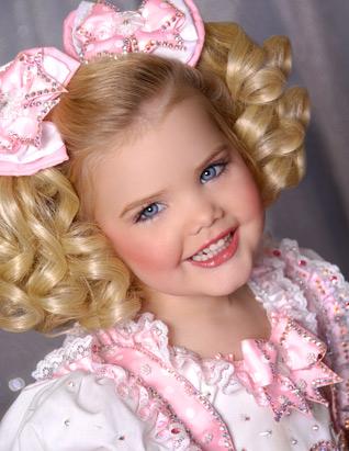صور ملكة جمال الأطفال وهي تعرض الأزياء Ht_eden_babydoll_090720_ssv