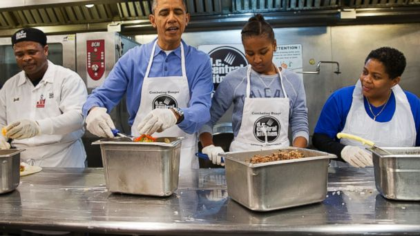 Obama Makes Burritos For Needy on MLK Day AP_barack_obama_sasha_dc_central_kitchen_jt_140120_16x9_608