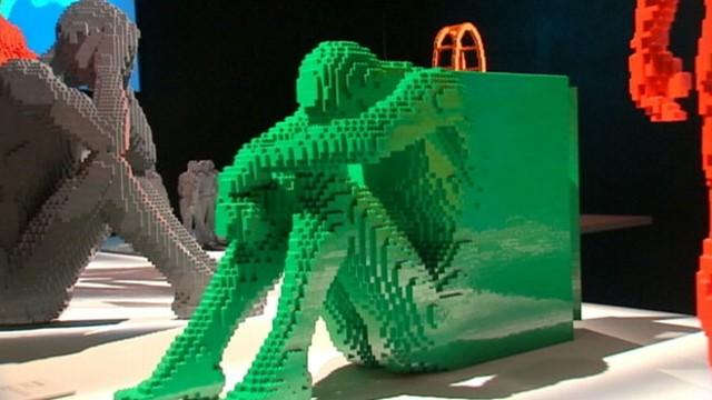 Lego art - Page 5 Wabc_lego_art_130613_wg