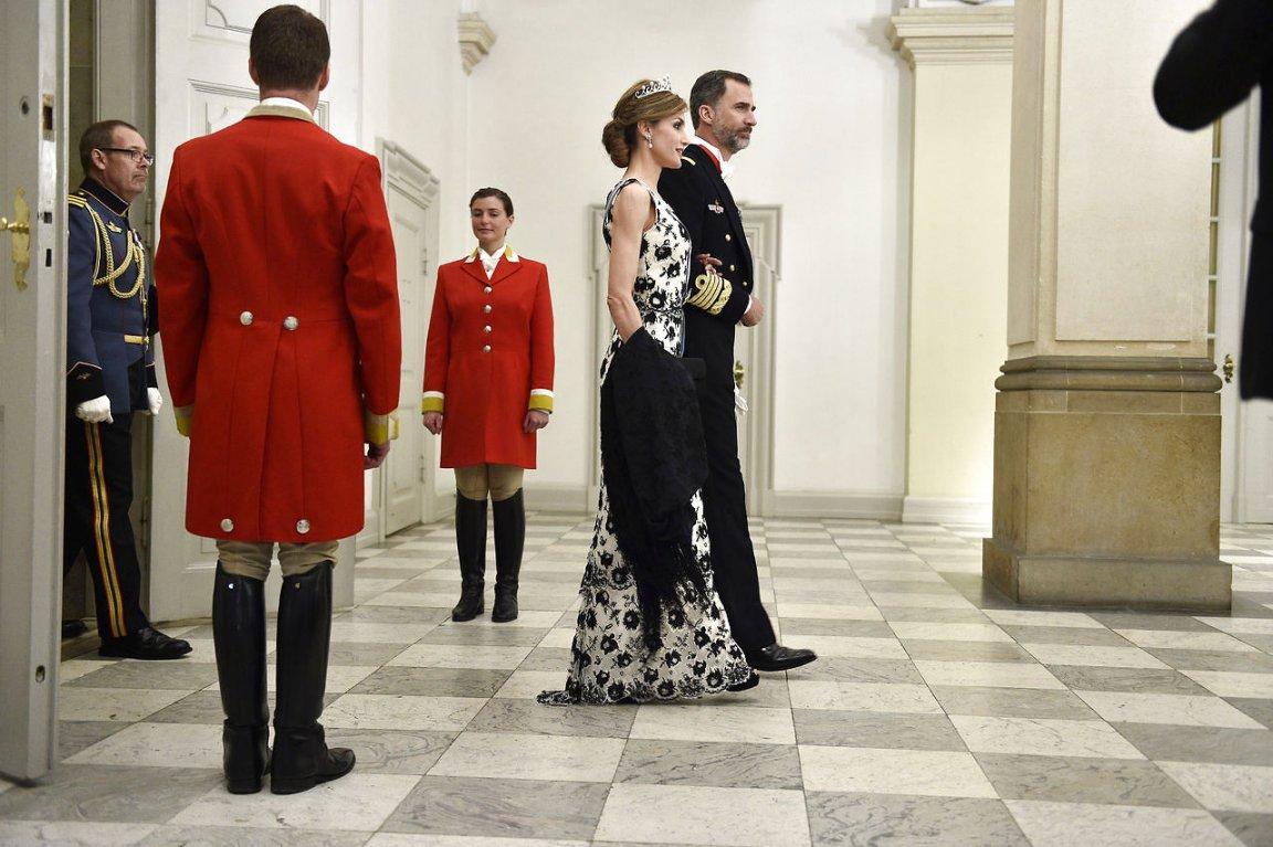 Margarita y Enrique de Dinamarca - Página 26 8587418-dronningmargrethe75