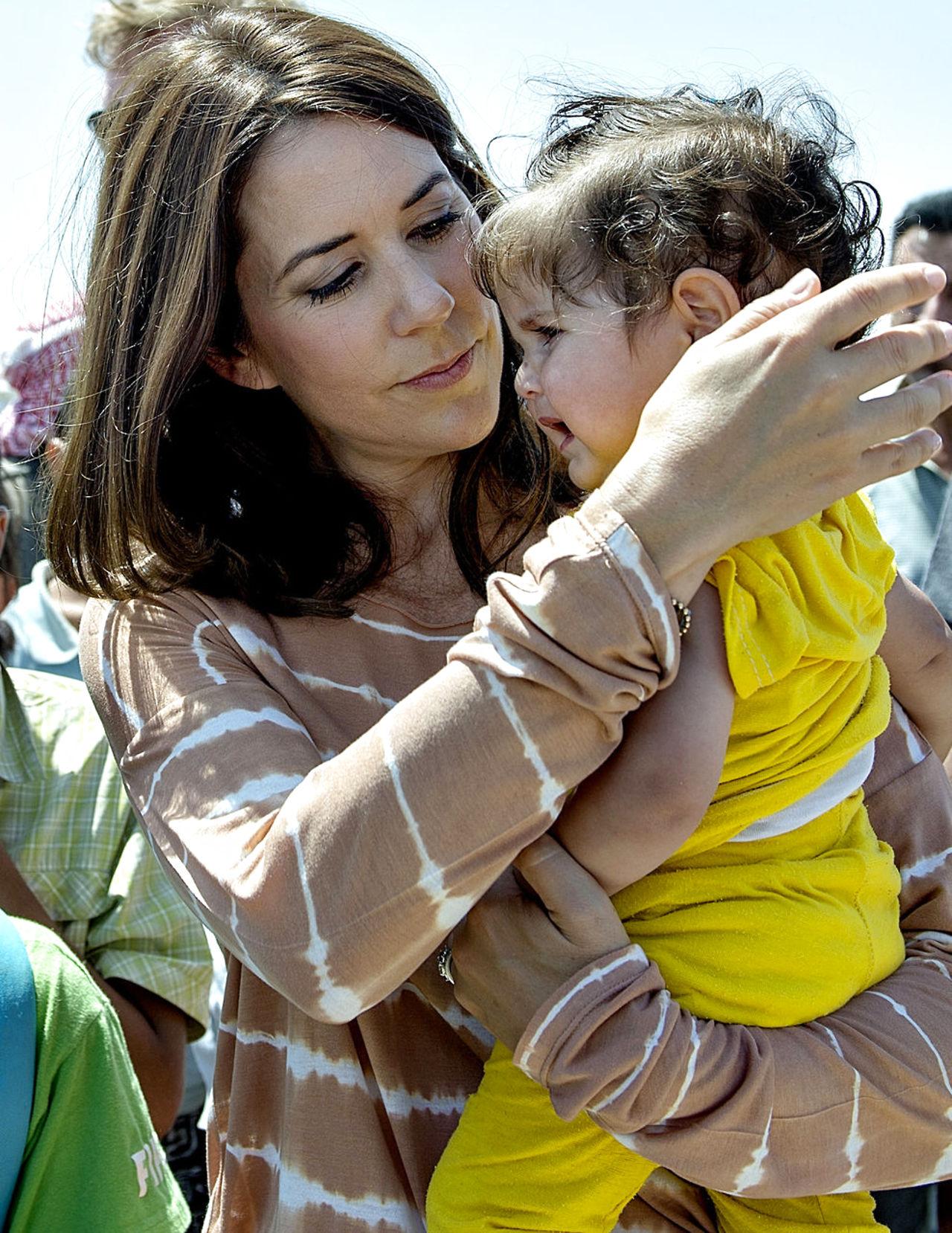 Mary y Frederik - Página 17 6738972-kronprinsesse-mary-besger-en-flygtningelejr-i-jordan