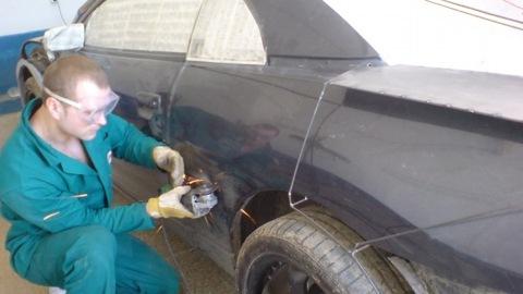 أوكراني من عشاق السيارات يحول سيارته الـ ميتسوبيشي إلى سيارة لامبورجيني فاخرة 480