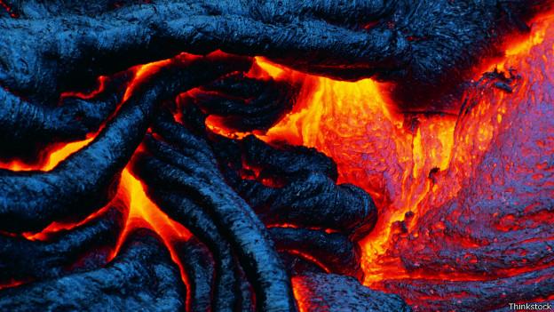 ¿Es posible detener la lava de un volcán en erupción? 140911120333_lava_624x351_thinkstock