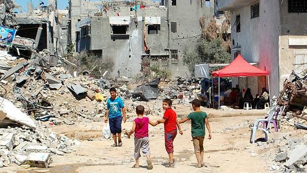 RELATOS DE VIDAS ACTUALES 140915164339_palestina_gaza_vivir_entre_escombros_624x351_bbc