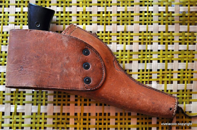 Holster 1911 - Page 2 Dsc0420d