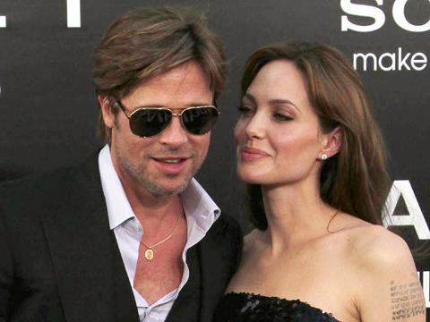 Анджелина Джоли и Брэд Питт завели себе любовниц 0410j