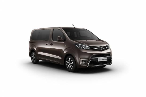 PEUGEOT TRAVELLER 2016: nueva furgo hasta de 9 pasajeros Toyota-proace_fm_65332