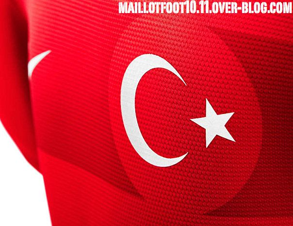 Les maillots 2012 - 2013 Maillot-turquie-12-13-dom