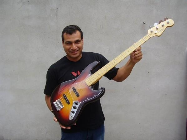 Slap Test  - Jazz Bass Ars Guitars L
