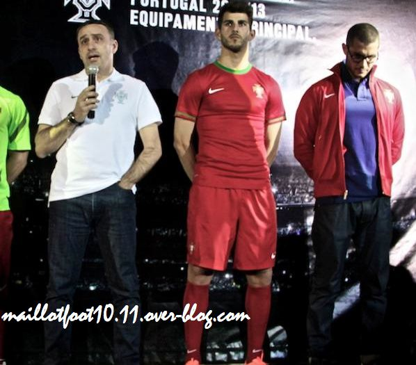 Les maillots 2012 - 2013 Maillot-portugal-euro-2012-dom