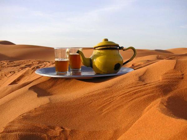 Passionnée d'Afghanistan, je souhaiterais discuter... - Page 4 The-a-la-menthe-mint-tea-maroc