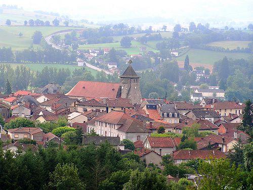 Villes et villages de charme du Cantal Ville-de-Maurs