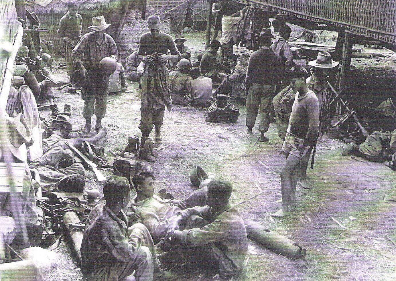 scènes de combat Quelques-heures-de-r-cup-ration-au-poste-de-MUONG-CH-N