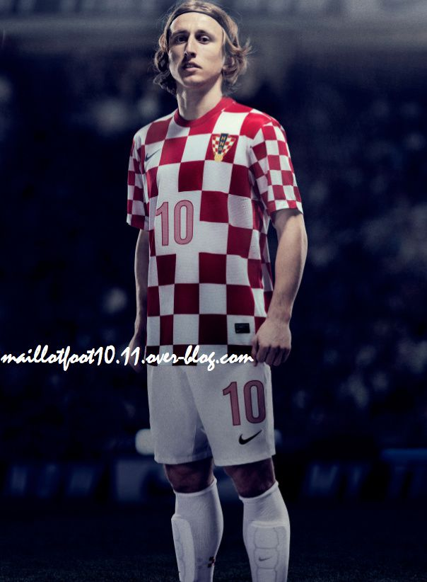 Les maillots 2012 - 2013 Maillot-croatie-dom-euro-2012