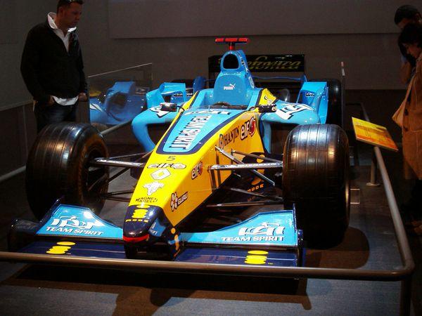 [69][29 novembre au 01 décembre] Salon Rétro course 2013 - Page 14 2005---Renault-F1-Team---R25----5-F.Alonso