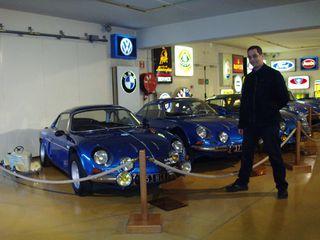 Exposition anciennes voitures des films/series TV a Noisy le Grand P1144903