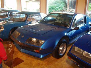 Exposition anciennes voitures des films/series TV a Noisy le Grand P1144815