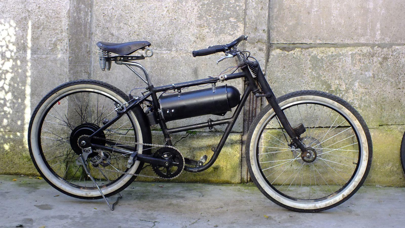Bicicleta eléctrica a partir de moto Guzzi (+sidecar??) DSCF8459
