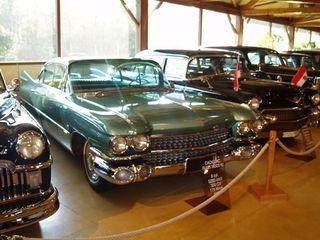 Exposition anciennes voitures des films/series TV a Noisy le Grand P1144853