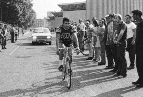 Photos et histoires du passé - Page 12 1971-Poulidor-Tour-de-France-RTL