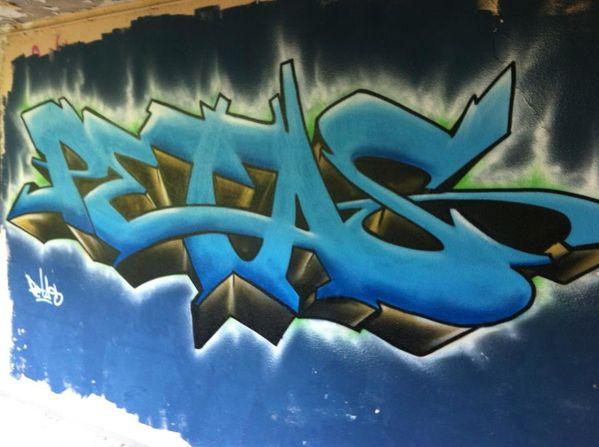 des streets arters ? et une question ? Petas-graffiti-graffeur-10