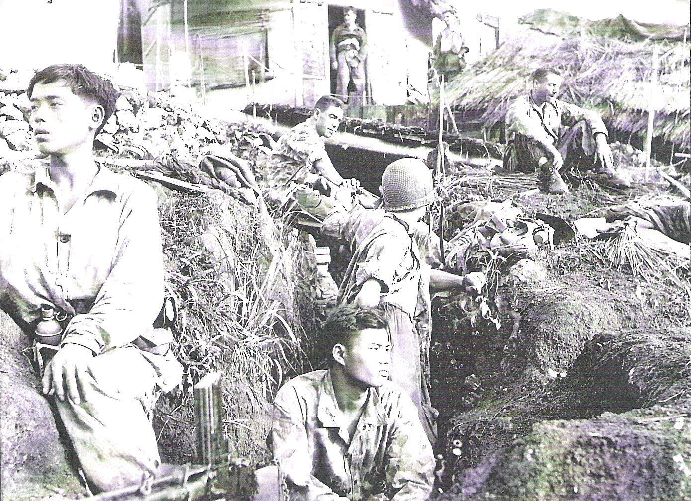 scènes de combat Assis-au-centre--nue-t-te-l-aspirant-CANTON
