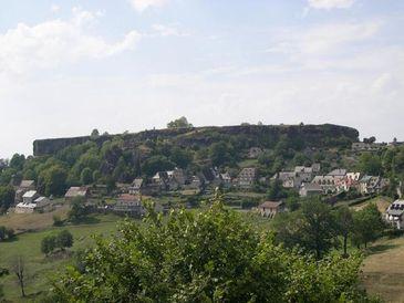 La reconstruction du chateau de Carlat Carlat