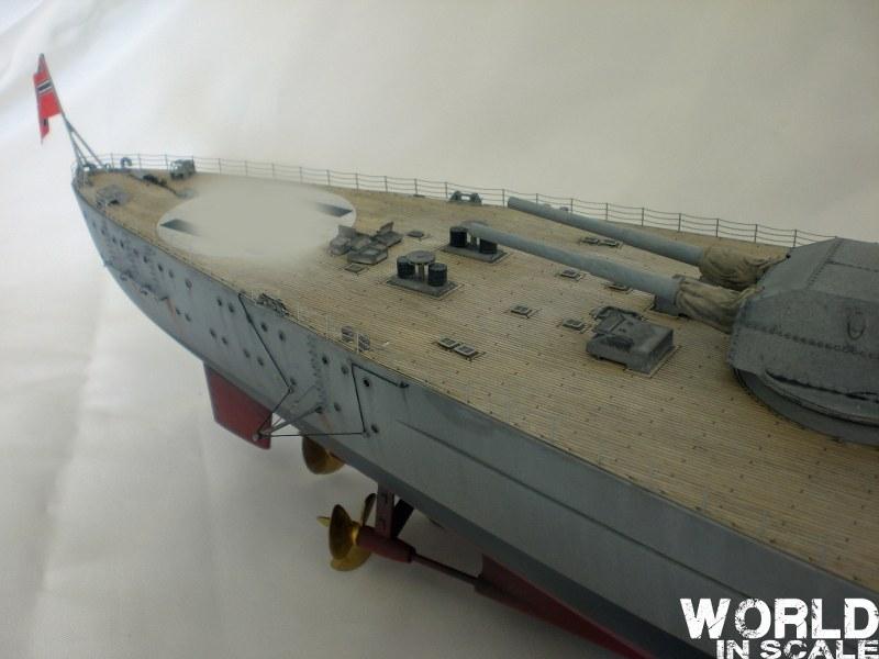 Schlachtschiff BISMARCK - 1/200 v. Trumpeter Cimg3533_800x6009ayed