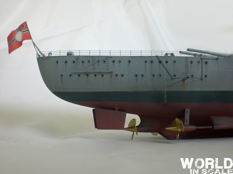 Schlachtschiff BISMARCK - 1/200 v. Trumpeter Cimg3575_800x6000gk4b