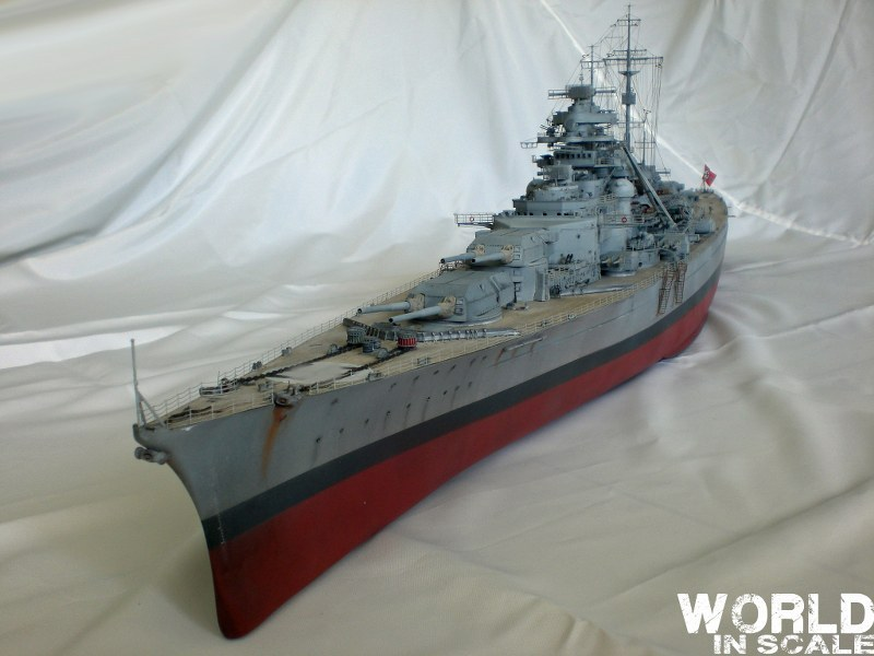 Schlachtschiff BISMARCK - 1/200 v. Trumpeter Cimg3585_800x6006skn6