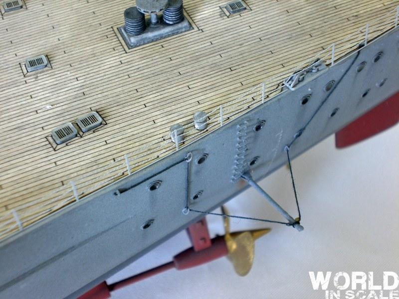 Schlachtschiff BISMARCK - 1/200 v. Trumpeter Cimg3611_800x600h2jbr