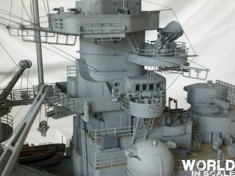 Schlachtschiff BISMARCK - 1/200 v. Trumpeter Cimg3647_800x600jtk5f