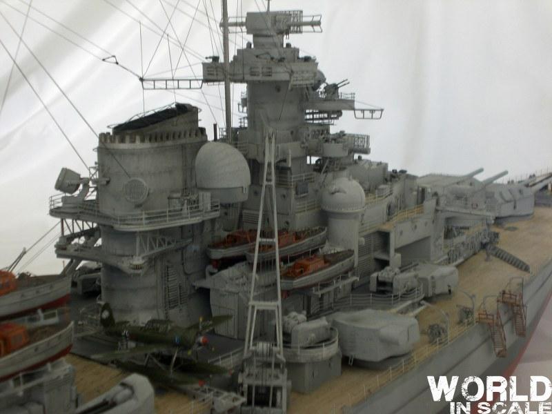 Schlachtschiff BISMARCK - 1/200 v. Trumpeter Cimg3649_800x600umbmb