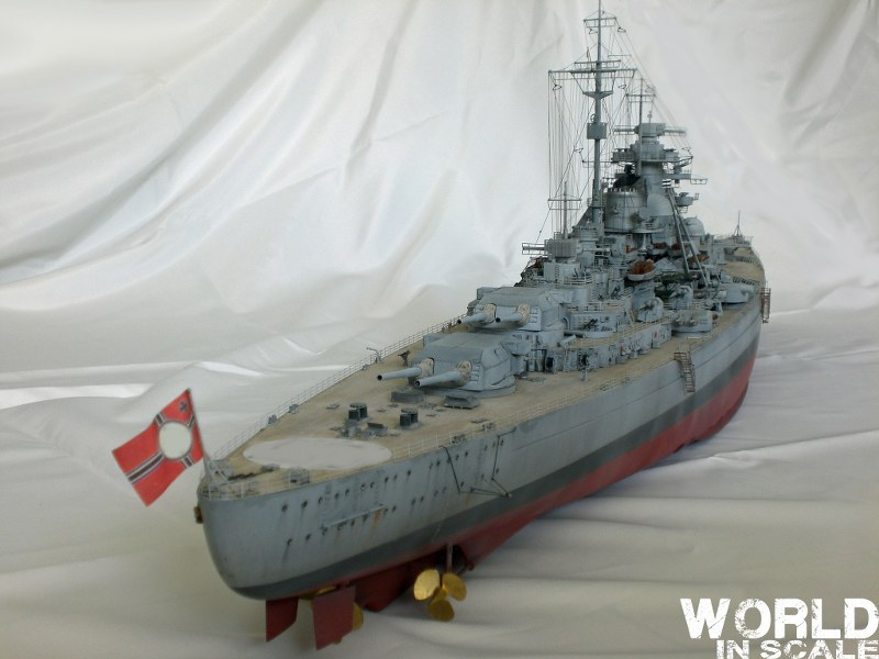 Schlachtschiff BISMARCK - 1/200 v. Trumpeter Cimg3651_800x600yixyd