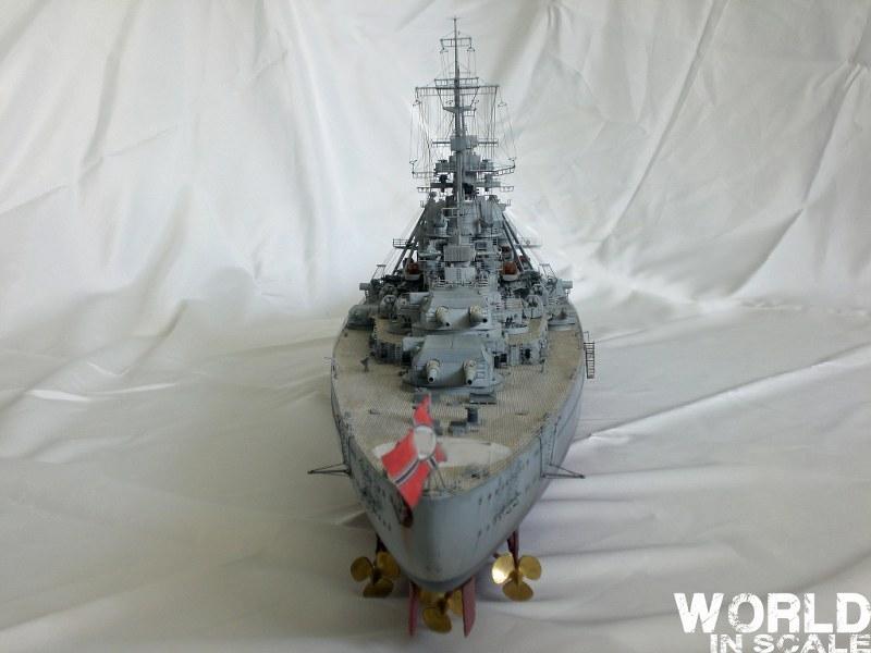 Schlachtschiff BISMARCK - 1/200 v. Trumpeter Cimg3653_800x600zpaou
