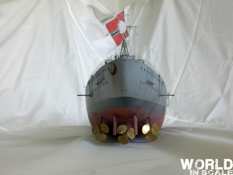 Schlachtschiff BISMARCK - 1/200 v. Trumpeter Cimg3661_800x600msjiq