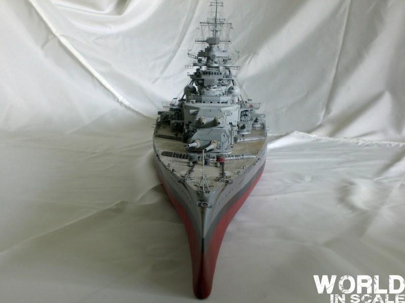 Schlachtschiff BISMARCK - 1/200 v. Trumpeter Cimg3699_800x600edbck