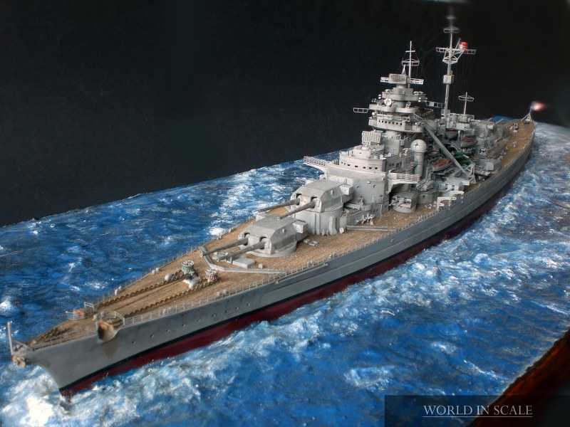 Schlachtschiff BISMARCK - 1/350 v. Revell Cimg4289_800x600ygezx
