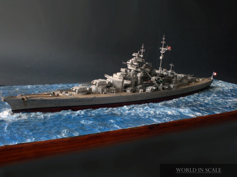 Schlachtschiff BISMARCK - 1/350 v. Revell Cimg4300_800x600yufzy