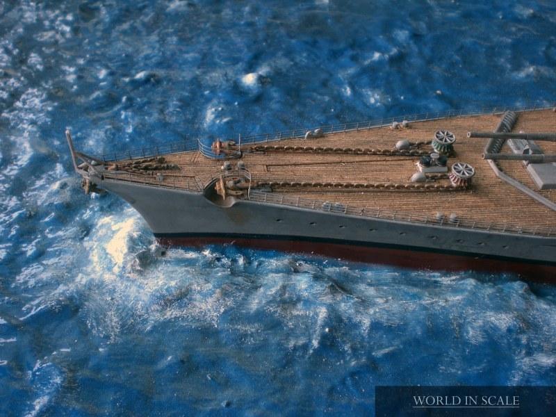 Schlachtschiff BISMARCK - 1/350 v. Revell Cimg4317_800x600myieq