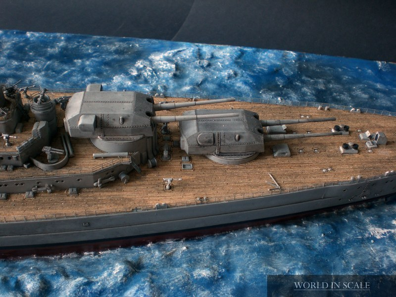 Schlachtschiff BISMARCK - 1/350 v. Revell Cimg4322_800x600lse7w