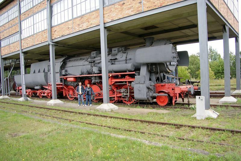Die BR 52 - die Kriegslok - und BR 52.80 sowie Kohlestaub-52 - Seite 4 Comp_dsc04344-19l89