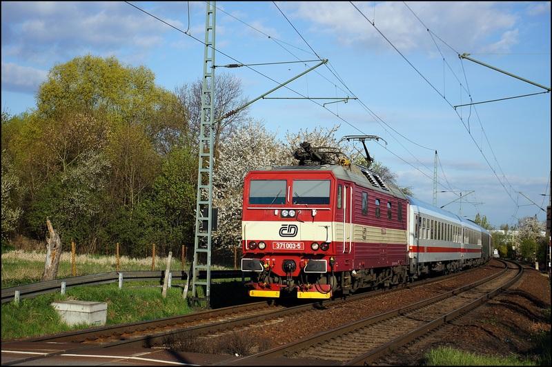 BR 371 (CSD) - BR 180 (DB) - Die Knödelpresse der CSD Dsc000867dcyk