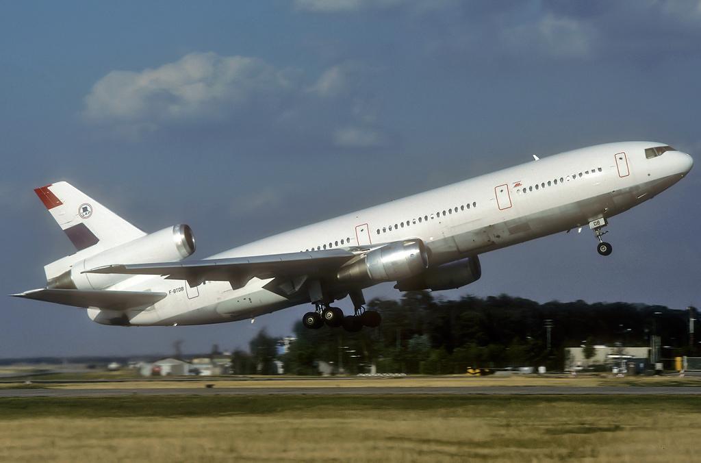 DC-10 in FRA - Page 4 F-btdb_06-08-932yk0t