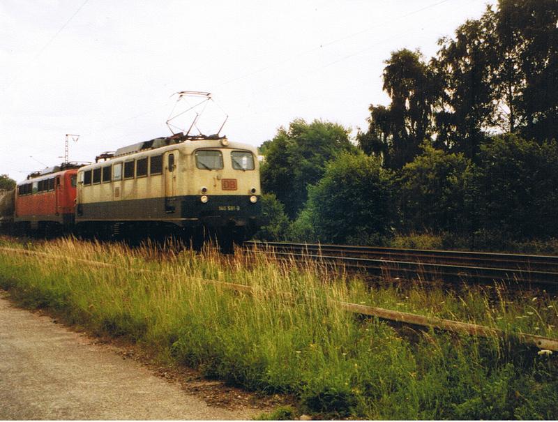 Was die Züge so bewegt ... - Seite 2 Fotokiste235ssmr
