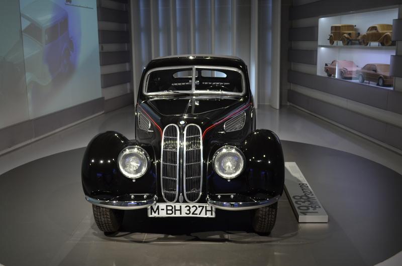 Ein Besuch im BMW-Museum Image7hs3n