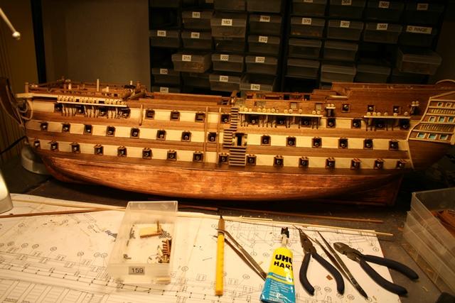 Baubericht - HMS Victory von Constructo in 1/98  - Seite 2 Img_0446ytsth